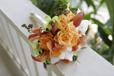 apricot roses for bridemaids bouquet