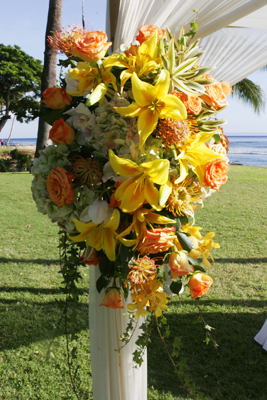 yellow star lilies for wedding alter