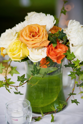 yellow roses for table: Maui