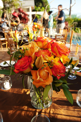 circus roses on wedding table